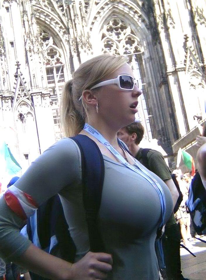 Huge Horny Tits 118