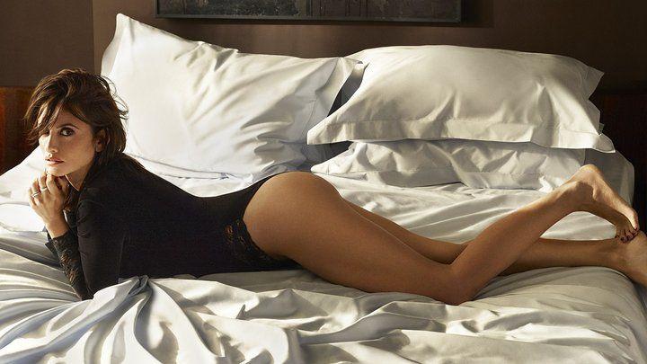 Осторожно, горячо http://artlabirint.ru/ostorozhno-goryacho/ Осторожно, горячо: 43-летняя Пенелопа Крус разделась для обложкиEsquire. {{AutoHashTags}}