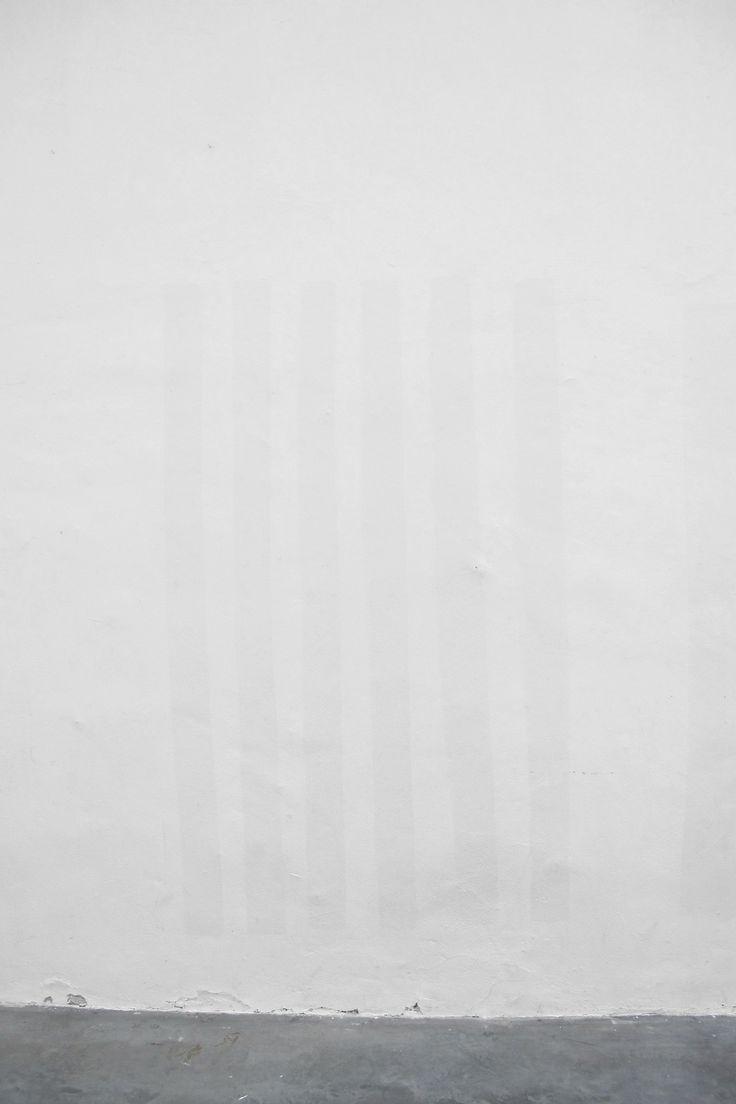 Andrea Kvas White Painting #6 plantelrenovado.tumblr.com