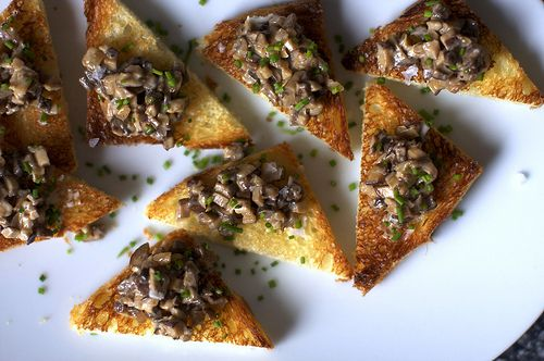 creamed mushrooms on chive butter toast could be a yummy main dish add ...