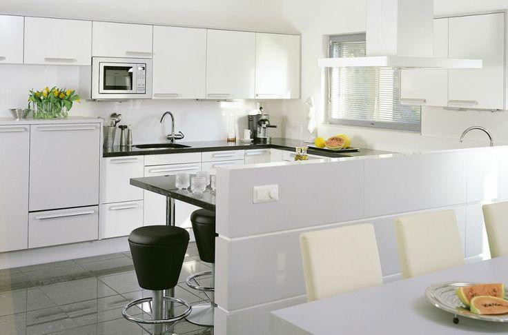 Vaalea kuultoväri pukee koivun | Puustelli keittiö