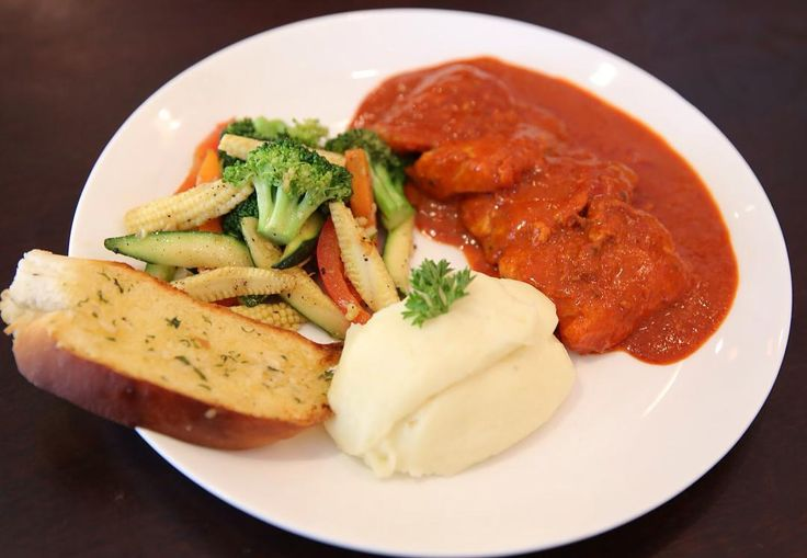 #GrilledfishPeriPeri sauce is one awesome dish at #cocofoodtruck. It comes with a side of sautéed veggies, mashed potatoes and garlic bread. Priced at Rs 380/- it is a must try for all those who crave for spicy food.