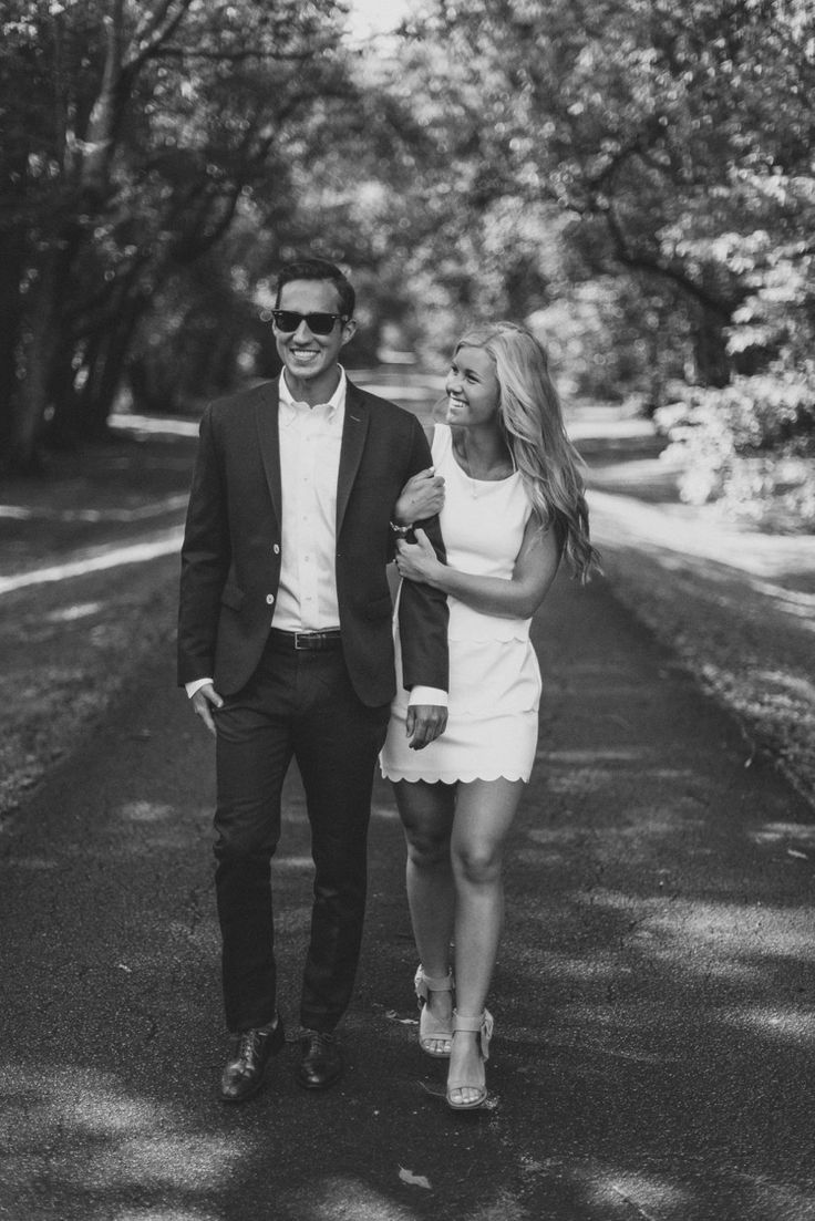 Black dress engagement photos - Tessa Barton Photography Engagements Shot In Knoxville Tennessee Let Me Start Off By Saying Sarah