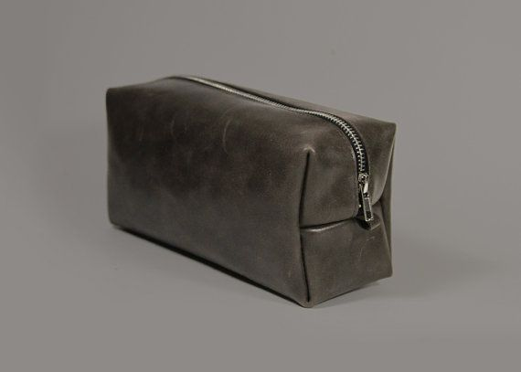 Genuine Leather Dopp Kit Oscar Vintage, Mens Toiletry Bag by A-Rada #handmade #etsy #gift #men