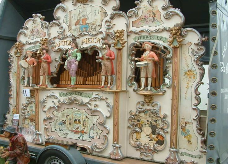 "51-key Jan Van Eijk Street Organ ""Anton Pieck"""