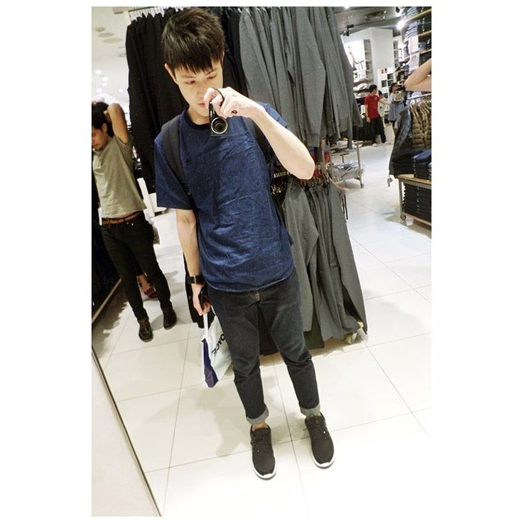 先々週の土曜日でした。#土曜日 #ユニクロ #シンガポール #メンズ #ファッション #今日はなにを着ますか #オーチャード #旅行 #saturdays #ootd #mens #fashion #singapore #sg #orchardroad #uniqlo