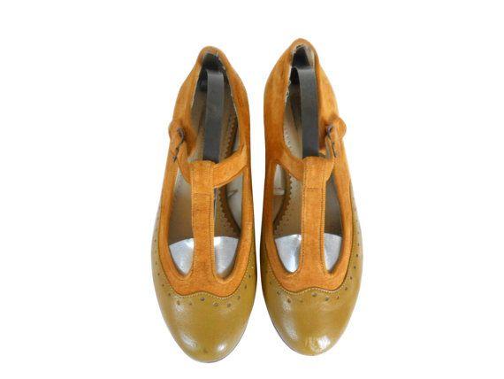 Vintage Women Mary Jane Shoe Size 9 Women Spectator Shoe Hipster Retro Maryjane Flat by #ShineBrightVintage