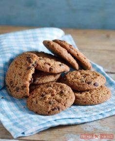 Csokis keksz recept képpel, a hozzávalók és az elkészítés pontos leírásával. Készítsd el akár 2, vagy 12 főre, a Receptvarazs.hu ebben is segít!