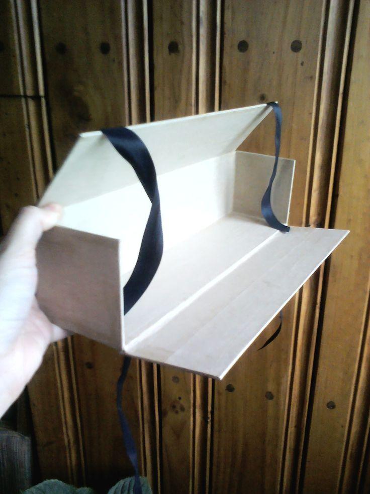 cajas diseñadas especialmente para obras de arte.