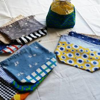 手づくり巾着袋の楽しみのひとつが、布の切り替えです。テキスタイルの組み合わせも楽しんじゃいましょう♪