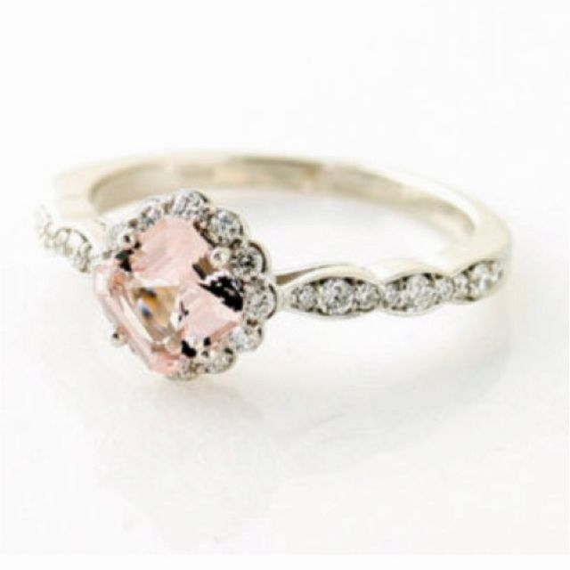 perfect antique ring, for dainty fingers!