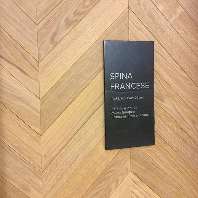 WEBSTA @ tavar_parquet - #chevron #spina #francese #rovere #oak #select #biancomengoli #news #large70 #posa #parquet #wood #madeinitaly #showroom #tavarparquet