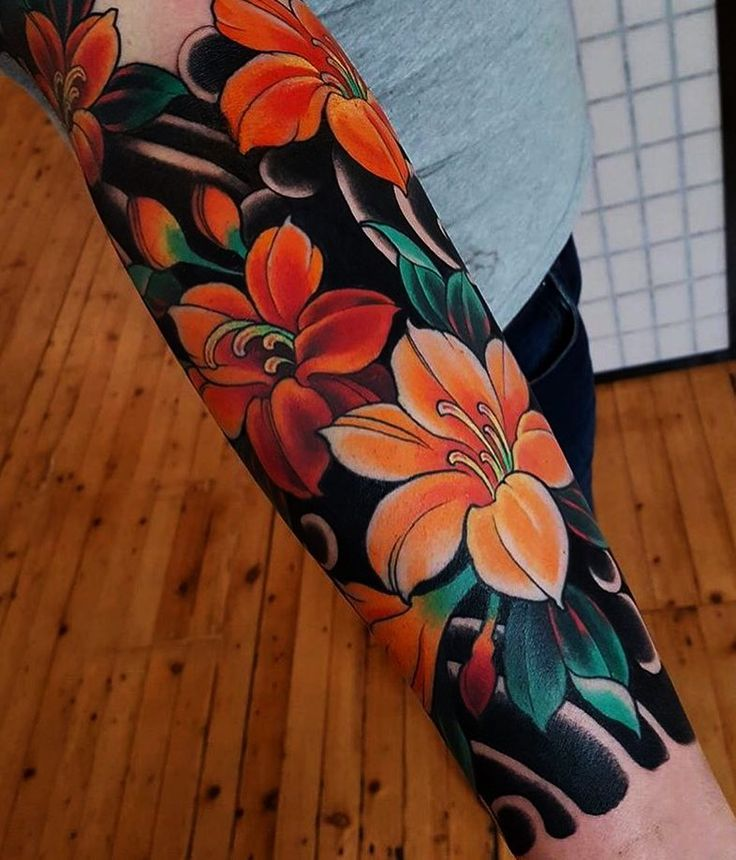"Japanese Ink on Instagram: ""Japanese tattoo sleeve by @oliviachelltattoo.  #japaneseink #japanesetattoo #irezumi #tebori #colortattoo #colorfultattoo #cooltattoo…"""