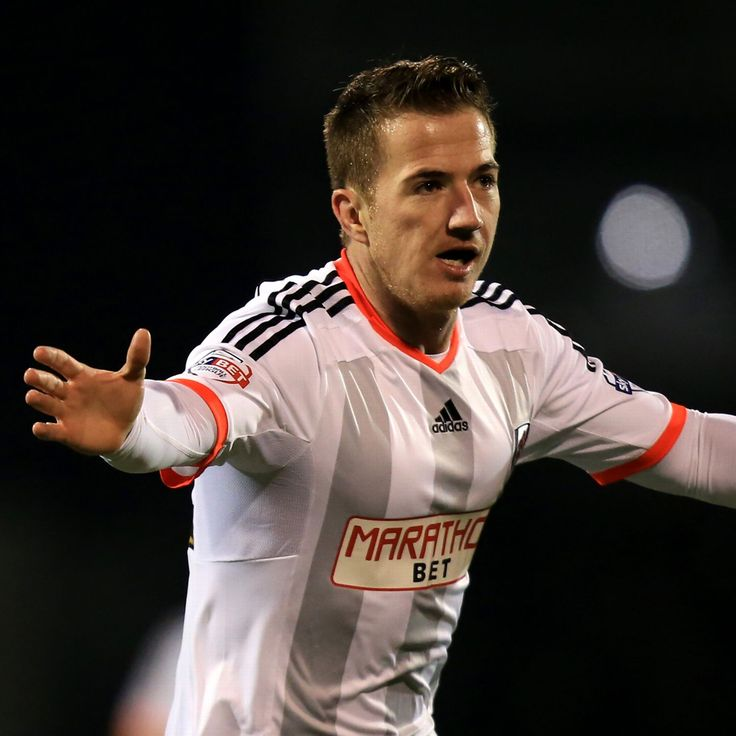 Aston Villa bid for Ross McCormack accepted by Fulham