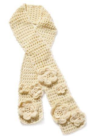Flowered Scarf: Crochet Flower Scarfs, Lion Branding, Big Flower, Crochet Scarves, Crochet Patterns, Crochet Knits, Flower Patterns, Scarfs Patterns, Crochet Scarfs