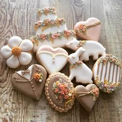 garden wedding cookies