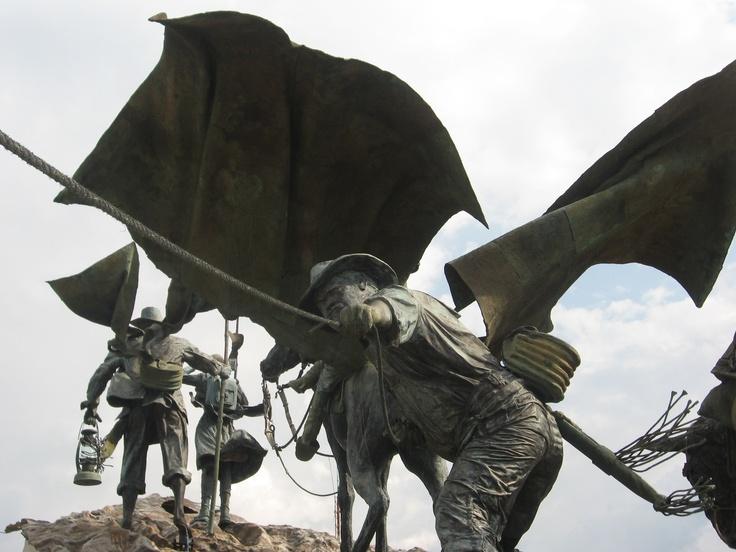Monumento a Los Colonizadores. Manizales, Caldas