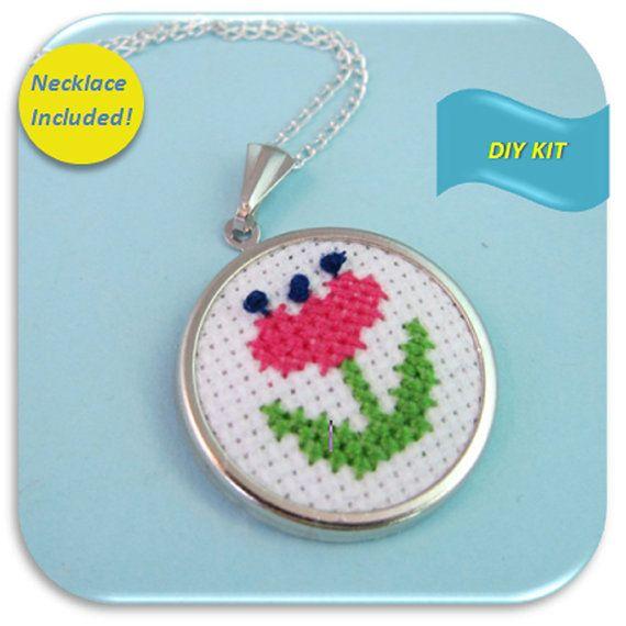Collar retro Cross Stitch DIY Kit crear su propia por Kailea, $12.95