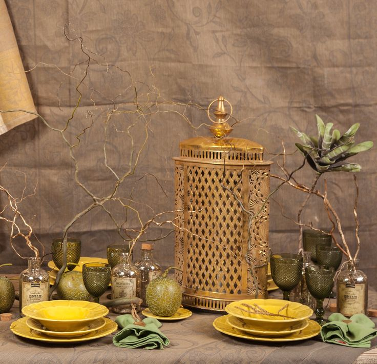 What a Golden Feast! What a Dynamic view, what a true elegance in a beautifully arranged table!
