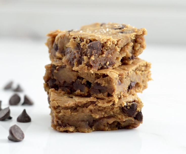 Healthy Peanut Butter Blondies! A healthy dessert you can feel good about eating! Gluten-free, dairy-free, refined-sugar free & vegan!