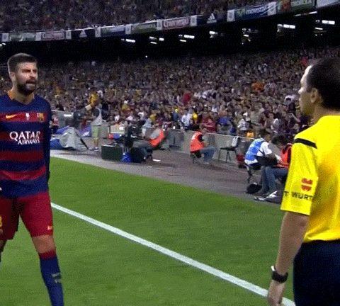 Il pisellone di Piqué si intravede dai pantaloncini (FOTO e GIF) - BITCHYF