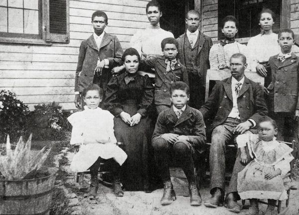 10 thriving black towns you didn't learn about in history class.   Early settlers of North Brentwood, Maryland. Photo courtesy of Prince Georges African-American Museum and Cultural Center at North Brentwood.