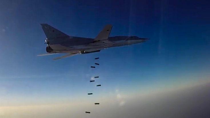 Για 4η φορά η ρωσική αεροπορία βομβάρδισε το Ισλαμικό Κράτος στη Deir ez-Zor.Τα ρωσικά βομβαρδιστικά πέταξαν από τη Ρωσία και κατέστρεψαν κυρίως 2 διοικητήρια όσο και αποθήκες όπλων των των τζιχαντ…