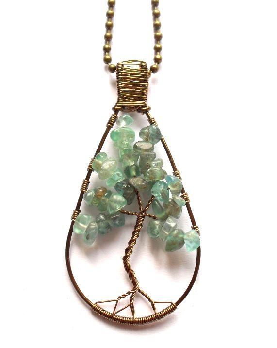 Livets träd - Halsband med apatit från http://ladyofthelake.se