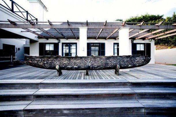 Love the exterior art at De Verdwaalde Boer in Cape Town. African Design & Architecture Decor & Design