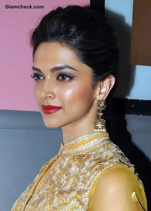 Deepika Padukone Makeup - Traditional Festive Season Look