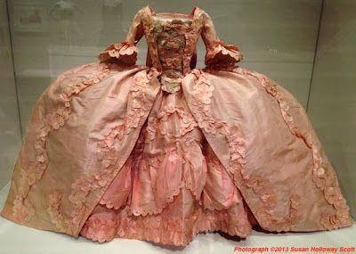 robe à la française, c.1750-1790, silk and lace, Europe, Museum of Fine Arts, Boston. More info: http://twonerdyhistorygirls.blogspot.com/2013/12/what-pandora-wore-high-fashion-in.html