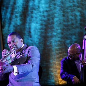 Los afamados músicos de jazz,  el trompetista Wynton Marsalis y el bajista Christian McBride, actúan en la Sede de las Naciones Unidas en el Día Internacional del Jazz.