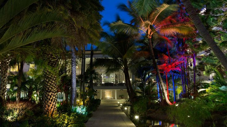 Le Meridien Noumea - landscaped garden by night