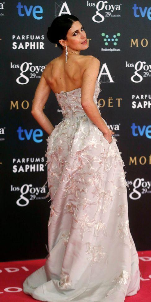 Nerea Barros de Óscar de la Renta. Muy femenino y precioso vestido http://produccioneslara.com/pelicula-mision.php