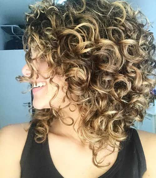 13.Naturally Curly Short Hairstyle