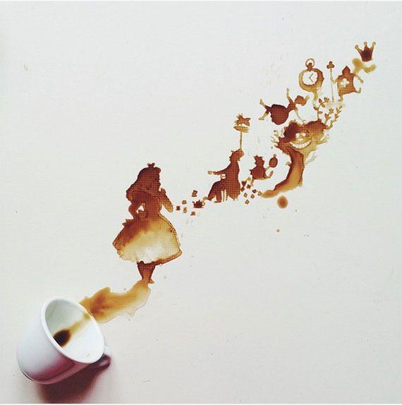 溢れたコーヒーから生まれるお洒落なクリエイティブ