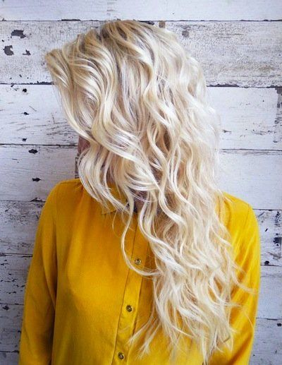 How to Perfect Your Platinum Hair | http://thedailymark.com.au/beauty/hair-beauty/how-to-perfect-your-platinum-hair