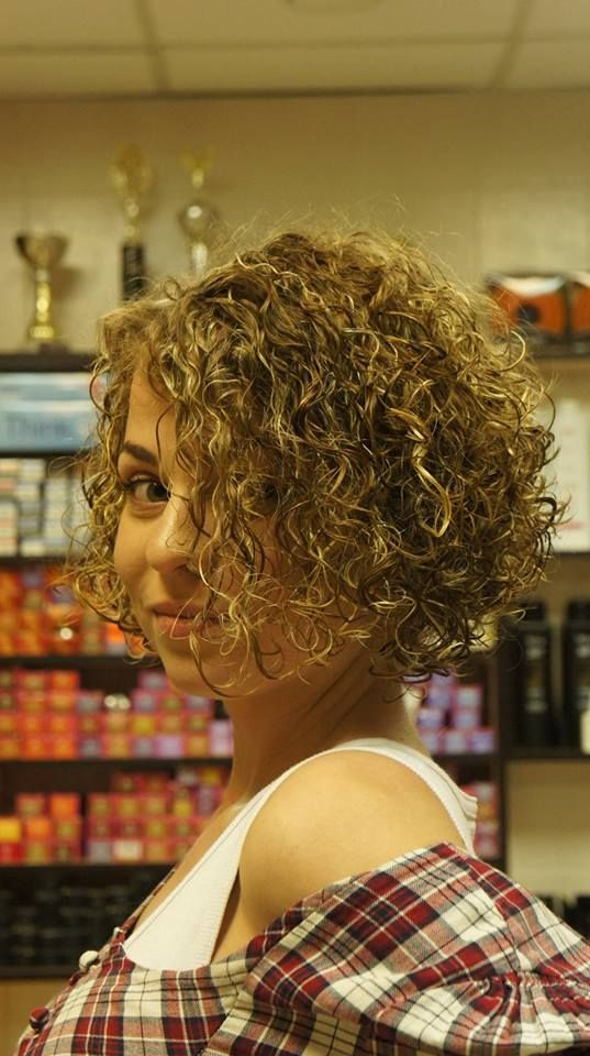 LOVE this permed bob style! Front view. | Medium Length Hair ...