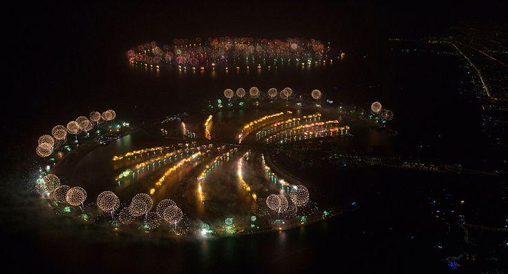 La celebración en Dubái. El show de fuegos artificiales logró un lugar en el libro de los récords Guinness. | AP.