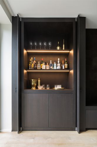 Built in bar - fantastic idea if you have the space | Project L | Juma Architects Gent | Jumaarchitects.com | Discover more great ideas at www.mycasainteriors.com