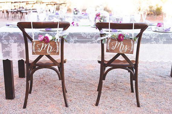 Hey, j'ai trouvé ce super article sur Etsy, chez https://www.etsy.com/fr/listing/266946528/mr-et-mme-chaise-signes-mariage-chaise