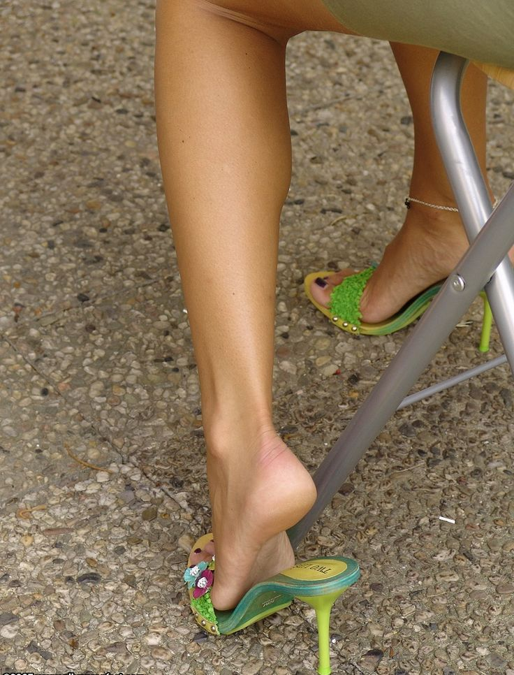 in Sexy mules feet