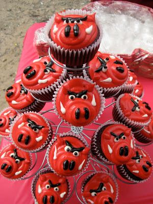 arkansas razorback craft ideas | Razorback Cupcakes- how cute!!! by selma