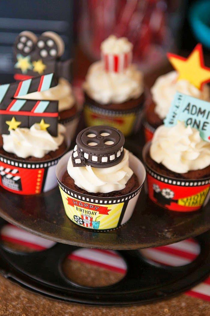 Cupcakes y Pastel para Fiesta del Cine. Tartas originales.