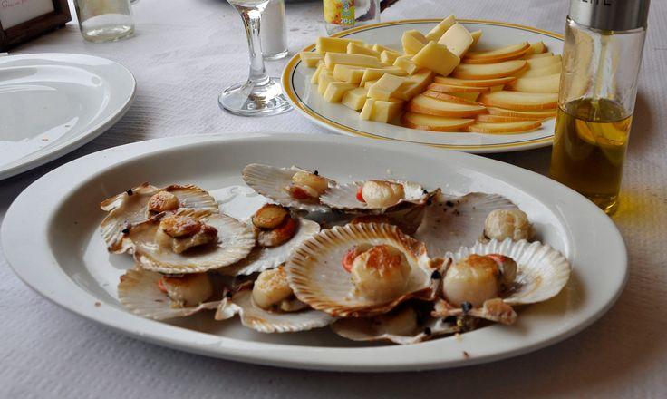 Navajas a la plancha, pulpo a la gallega and the fishermen's villages in Asturias and Galicia