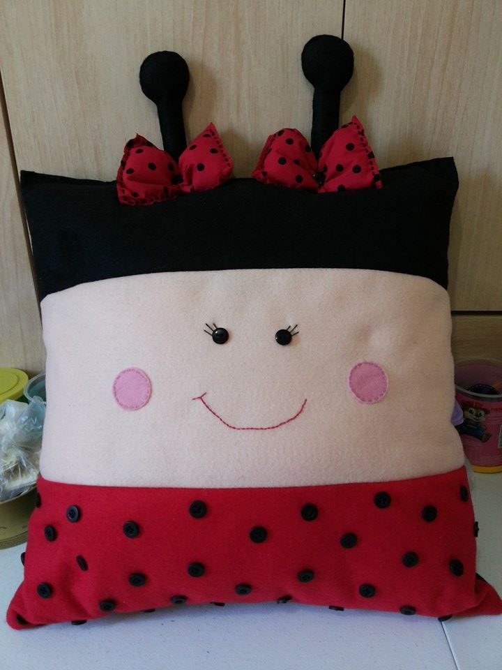 Cottage Charm ~ Ladybug Pillow ~ Red, Black