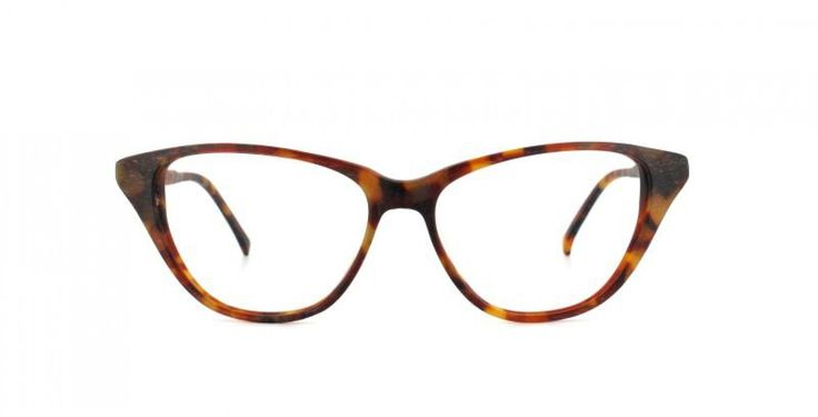 OH JACKIE I In memory of Mrs K. An easy to wear cat-eye shape with a modern touch. Classic mid havana.