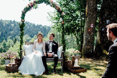 Petra und Sebastian - DIY Gartenhochzeit im Bayrischen Wald - Marion und Daniel Hochzeitsfotografie und Hochzeitsfilme - Regensburg, München, Schweiz, Österreich, Allgäu-57