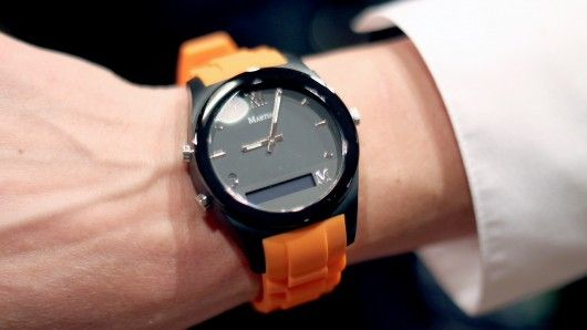 Gizmag checks out the Martian Notifier, a smartwatch that lets you know what's coming in w...