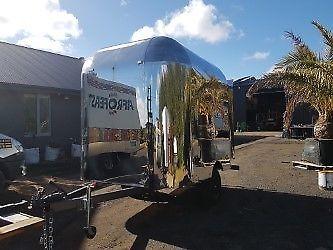 coffee-trailer-retro-airstream-style-food-van